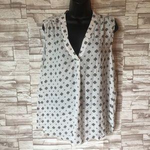 Willi smith sleeveless blouse size large